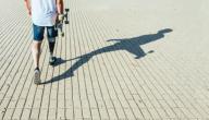 ما أسباب مشاكل المشي والتوازن؟