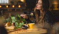 8 أعراض للإدمان على الطعام