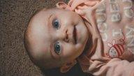 متى يتغير لون عيون الأطفال؟