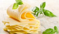 فوائد الجبنة الرومي: هل هي السر في صحة الأمعاء؟