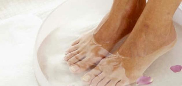 فطريات بين اصابع القدم وعلاجها