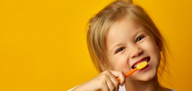 اصفرار اسنان الاطفال