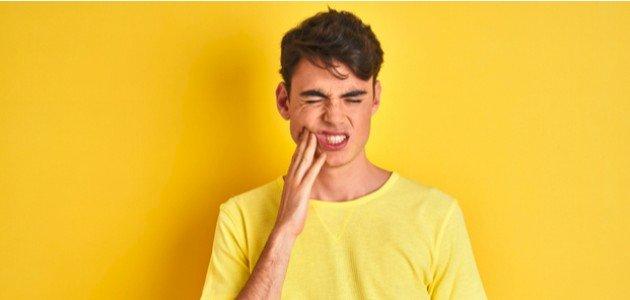 اعراض التهاب جذور الاسنان