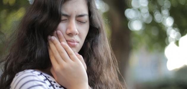 اعراض التهاب مفصل الفك الصدغي