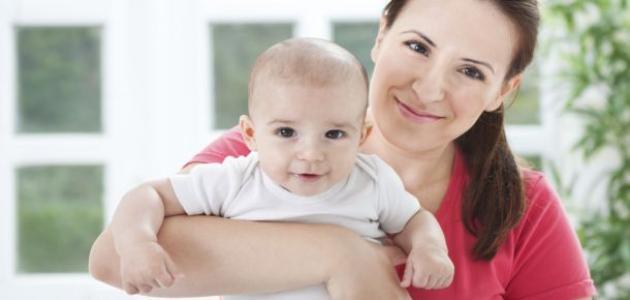 الام الثدي عند فطام الطفل