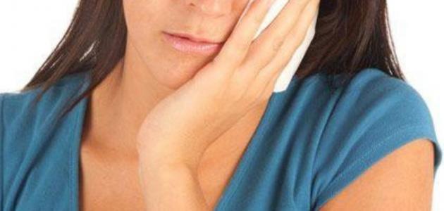 التهاب عصب السن اعراضه