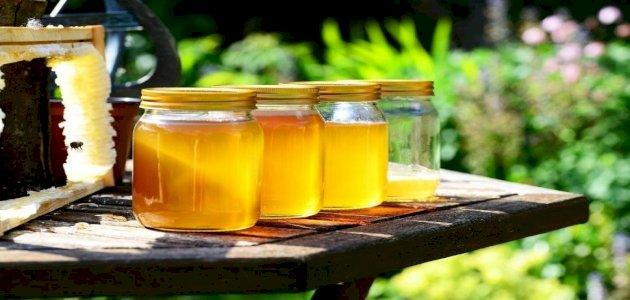 فوائد العسل الابيض للبشرة