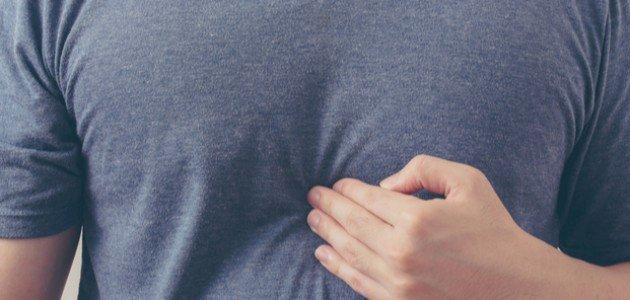 هل يرتبط ألم رأس المعدة مع الغازات؟