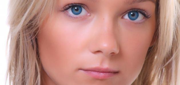 الماء الزرقاء في العين