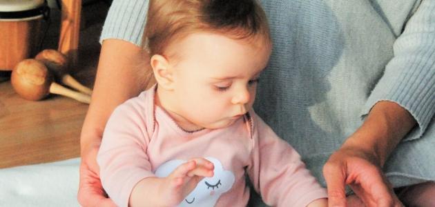 علامات التهاب الاذن عند الرضع