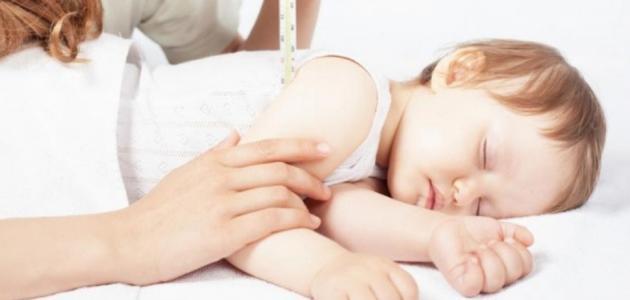 انخفاض درجة حرارة الرضيع