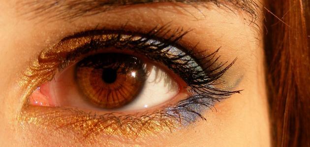 احمرار العين عند الاستيقاظ