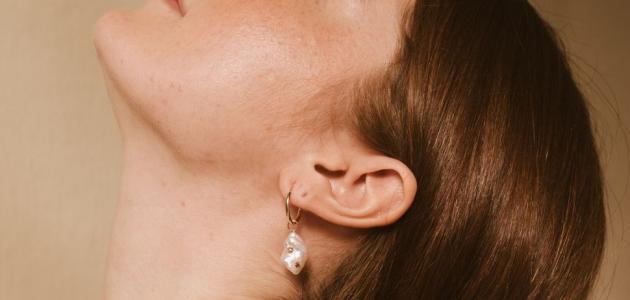 ما أسباب القيام بإعادة تصحيح وضعية قناة الأذن؟