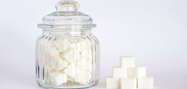 إدمان السكر: ما أعراضه؟ وكيف تتخلص منه؟