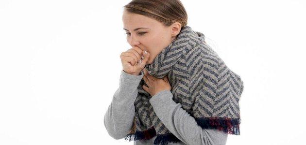 ما هي أعراض ثقب الرئة؟