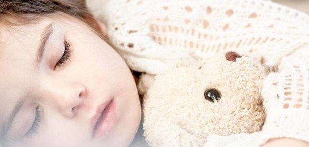 ما أسباب جفاف الفم أثناء النوم؟
