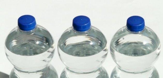 أيهما أفضل: الماء المعلب أو ماء الصنبور؟