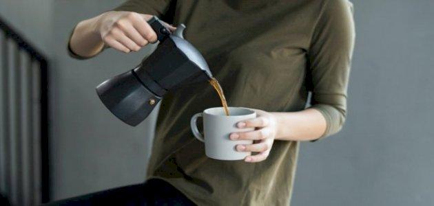 نصائح لمحبي القهوة لأسنان بيضاء