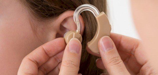 ما هي أنواع سماعات الأذن الطبية؟