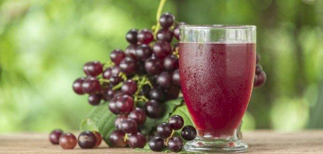 فوائد عصير العنب الأحمر: فوائد قيمة في مشروب واحد!