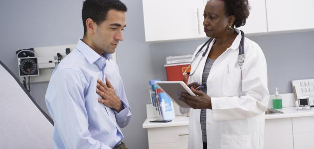 كيف يمكن تمييز مصدر الألم: الصدر أم الظهر؟