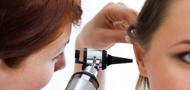 أعراض التهاب الأذن الوُسطى عند الكبار