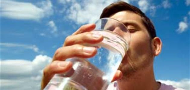 اسباب شرب الماء بكثرة