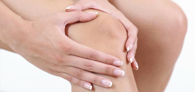 أفضل علاج لخشونة الركبة بالأعشاب