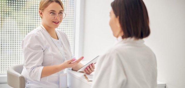 ما هي الالتهابات الجلدية أسفل البطن عند النساء؟