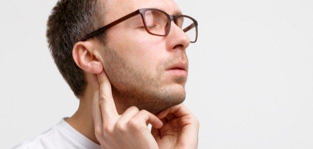انتفاخ الغدد تحت الأذن