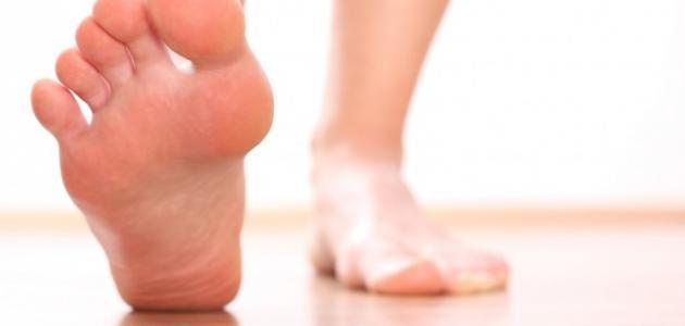 ما هو علاج تثليج القدمين