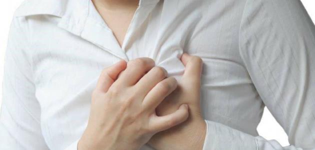 ألم تحت الثدي الأيسر